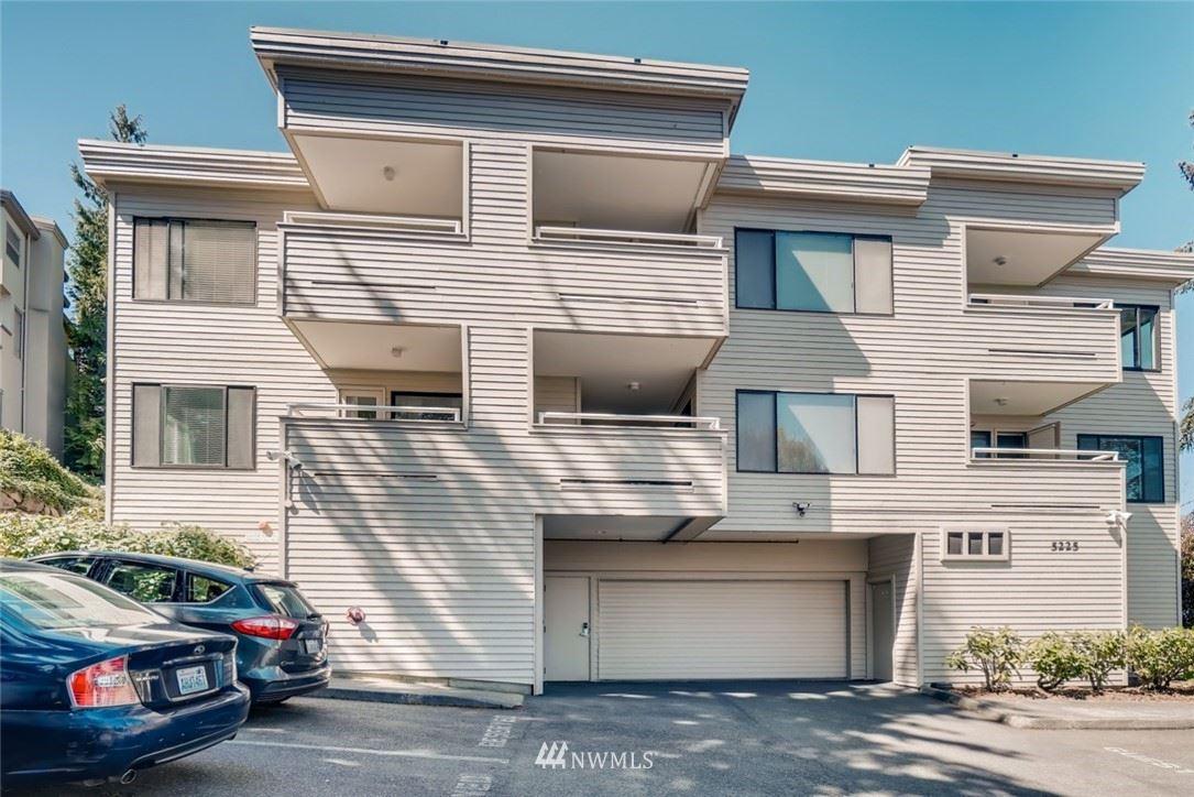 Photo of 5225 50th Avenue NE #108, Seattle, WA 98105 (MLS # 1755765)