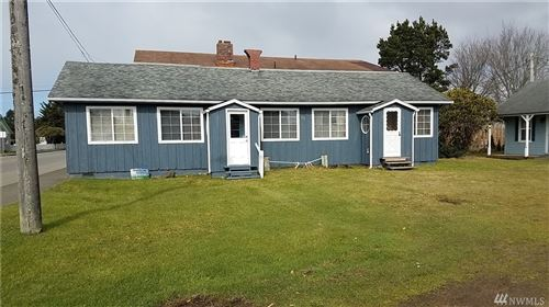 Photo of 312 Pacific Ave N, Long Beach, WA 98631 (MLS # 1574767)