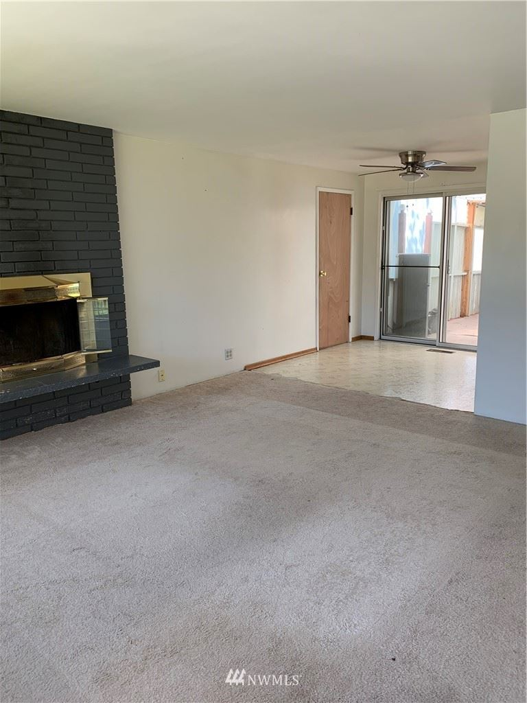 Photo of 20213 7th Place S, Des Moines, WA 98198 (MLS # 1756769)
