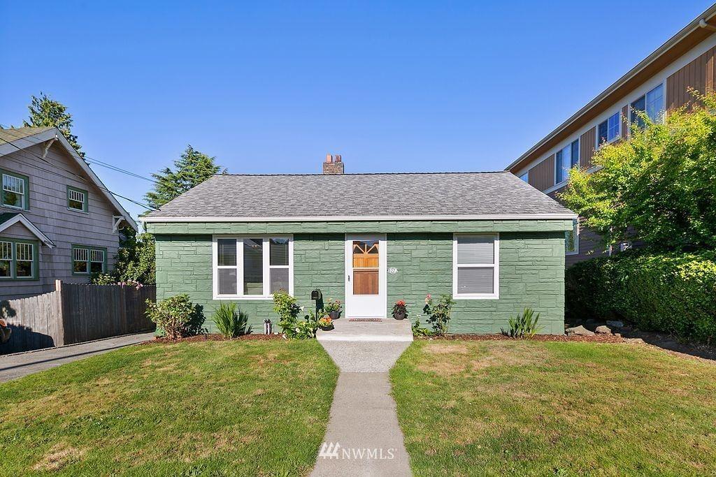 Photo of 3272 40th Avenue SW, Seattle, WA 98116 (MLS # 1793770)