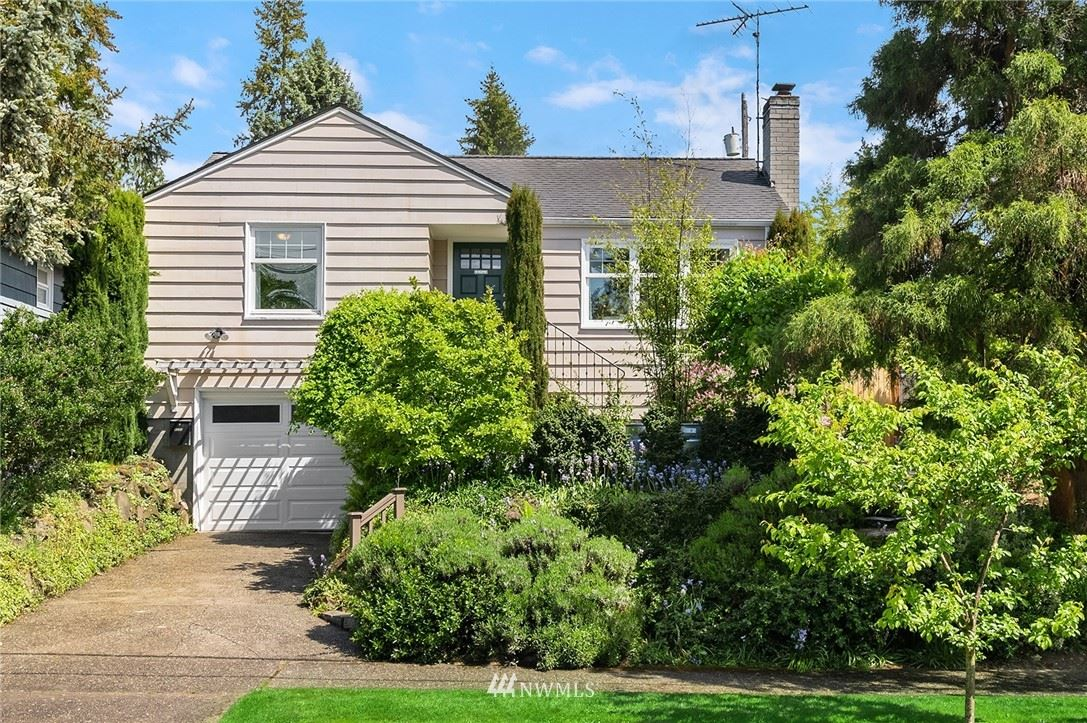 Photo of 6220 45TH Avenue NE, Seattle, WA 98115 (MLS # 1763771)