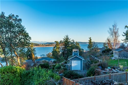 Photo of 960 Poppys Place, Oak Harbor, WA 98277 (MLS # 1542774)