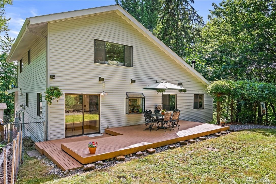 Photo of 20004 SE May Valley Road, Issaquah, WA 98027 (MLS # 1614774)
