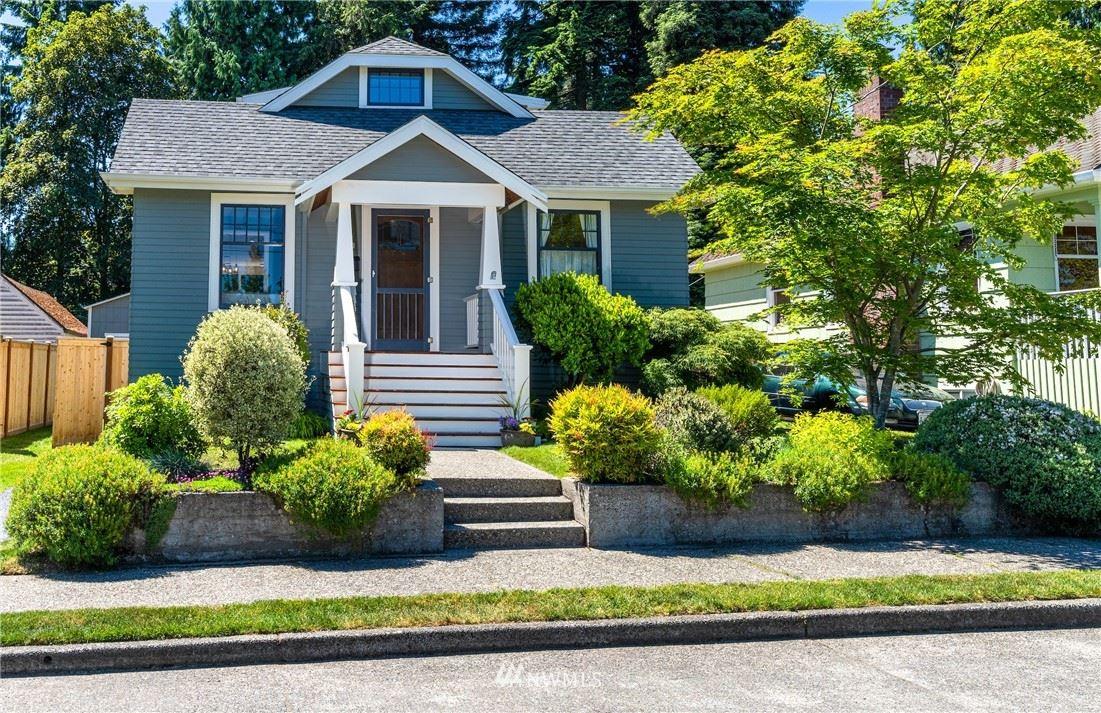 Photo of 1231 NE 92nd Street, Seattle, WA 98115 (MLS # 1780777)