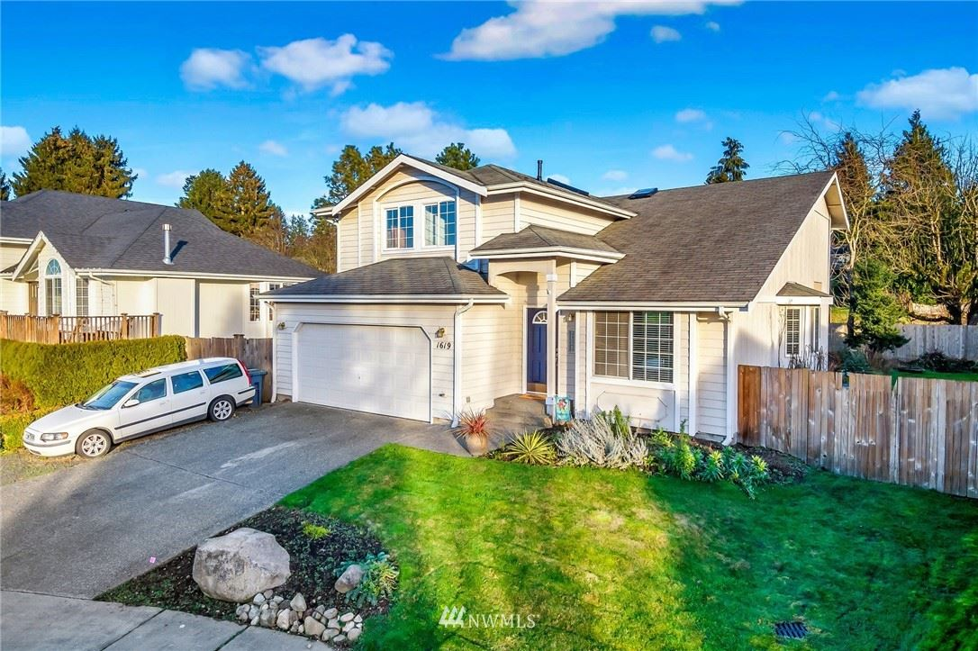 Photo of 1619 Meadow Place, Snohomish, WA 98290 (MLS # 1720779)