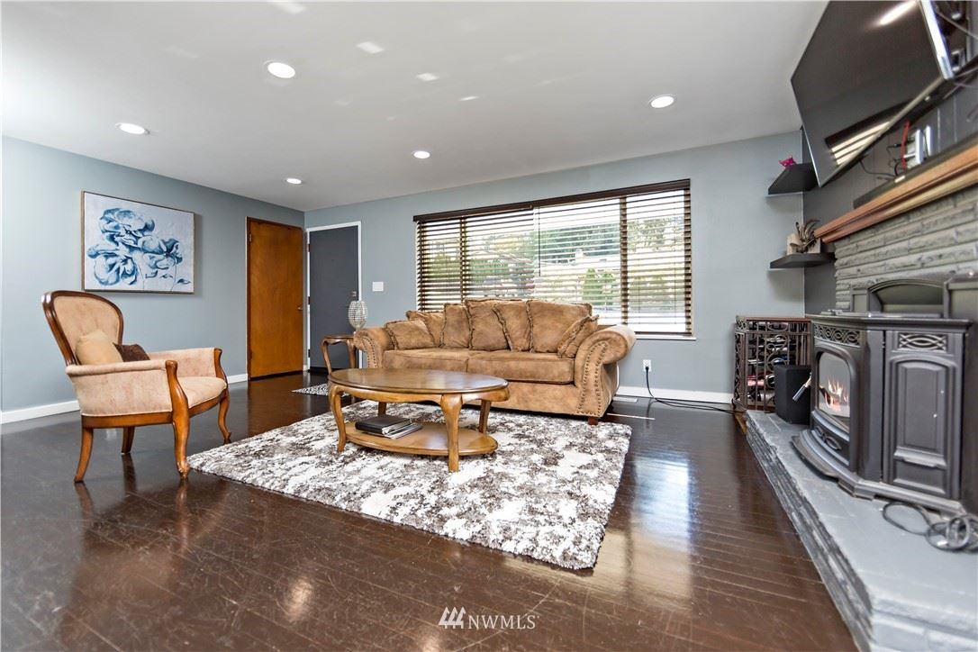 Photo of 7205 197th Street SW, Lynnwood, WA 98036 (MLS # 1844780)