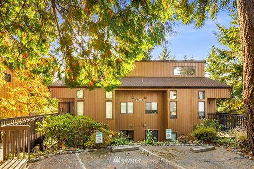 Photo of 10911 NE 37th Place #1, Bellevue, WA 98004 (MLS # 1854783)