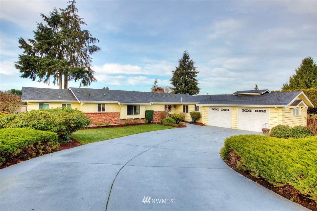 Photo of 29415 9th Place S, Federal Way, WA 98003 (MLS # 1711783)