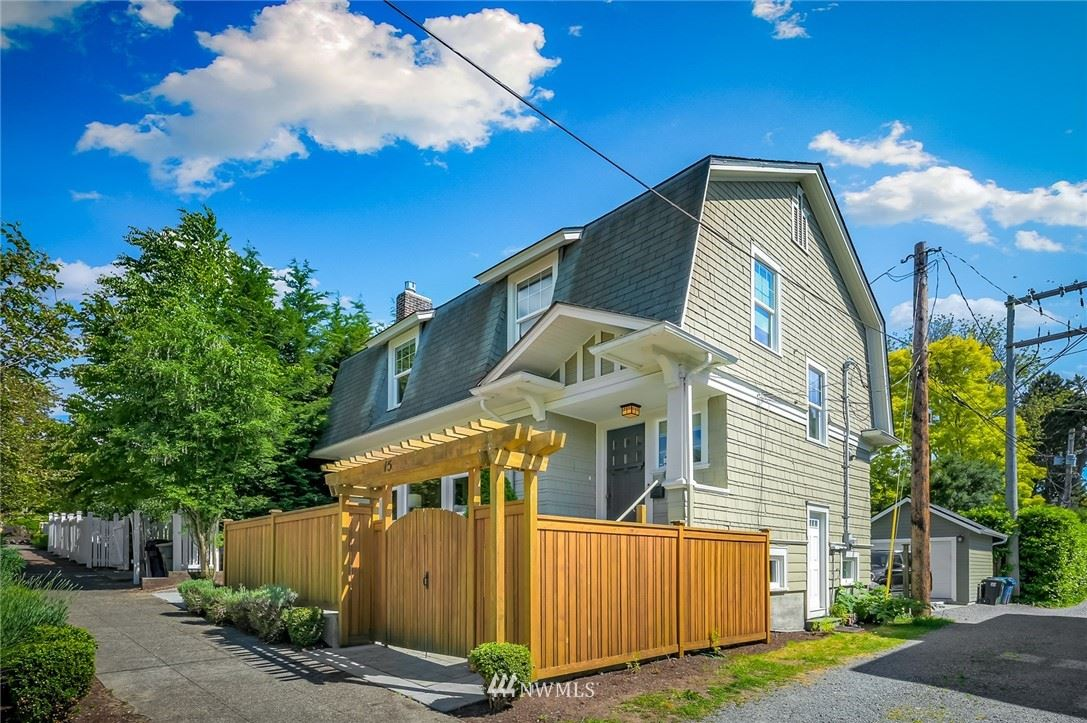 Photo of 15 Howe Street, Seattle, WA 98109 (MLS # 1788784)
