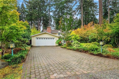 Photo of 8855 SE 72nd Place, Mercer Island, WA 98040 (MLS # 1665787)