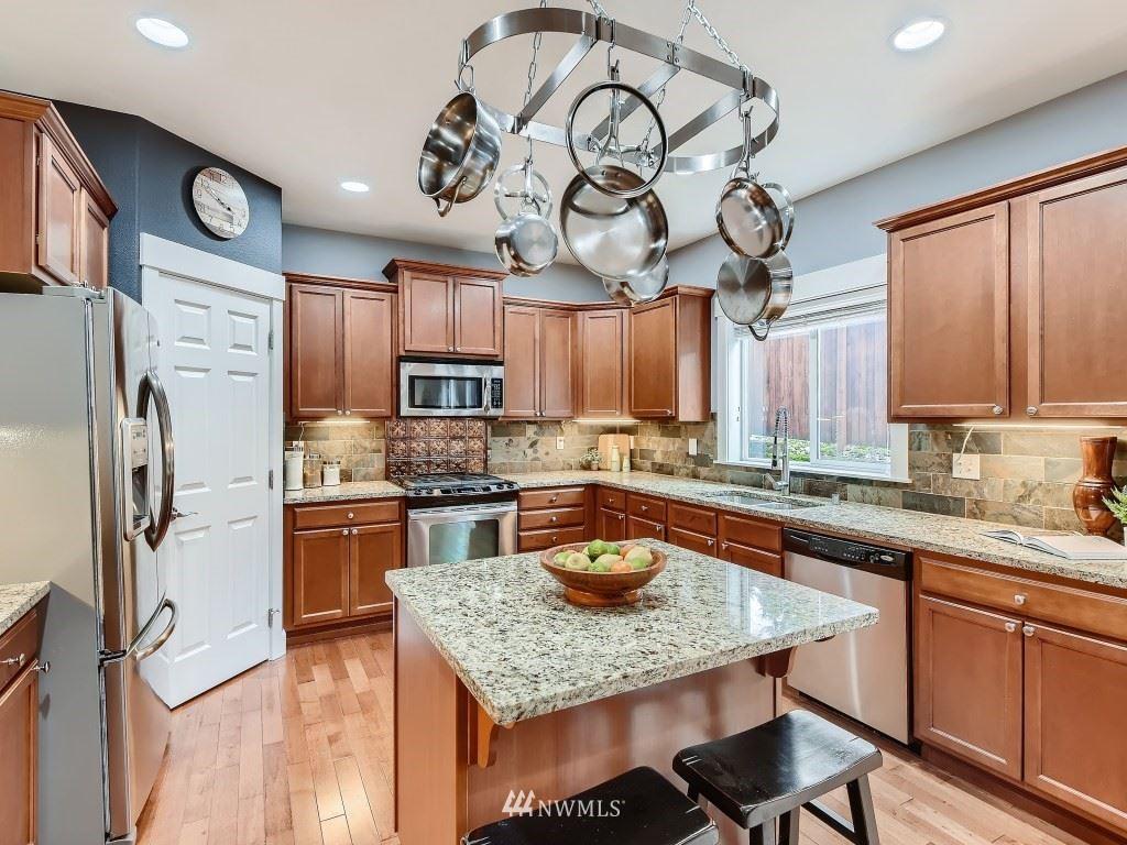 Photo of 16505 82nd Place NE, Kenmore, WA 98028 (MLS # 1855787)
