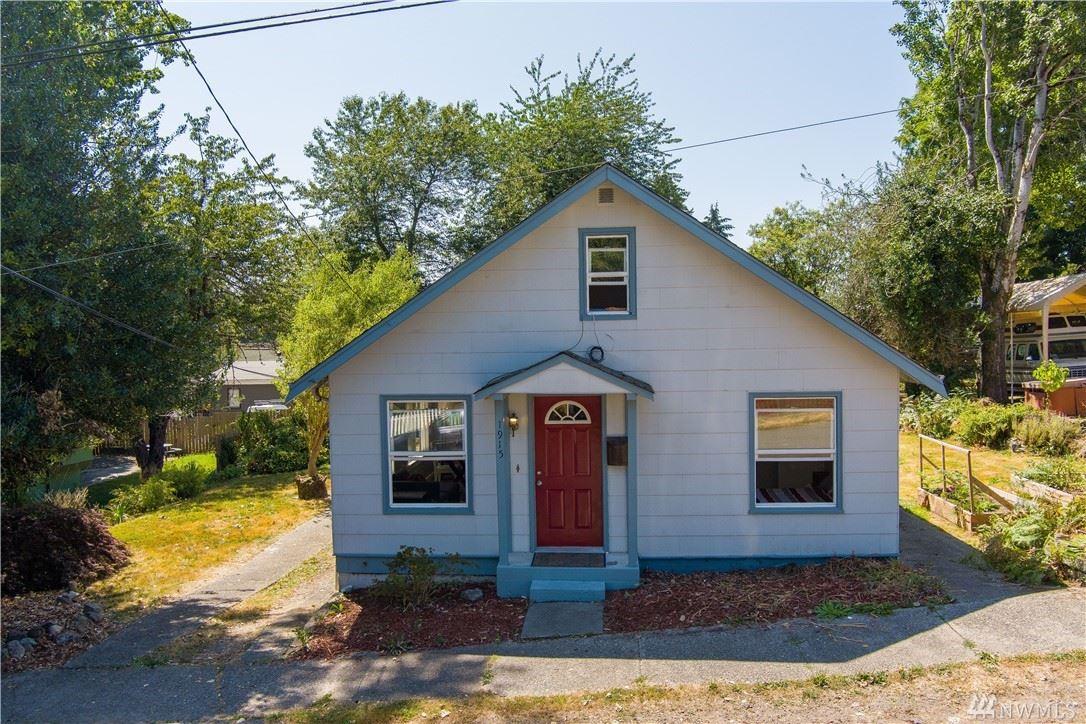 Photo of 1915 10 Street, Bremerton, WA 98337 (MLS # 1642791)