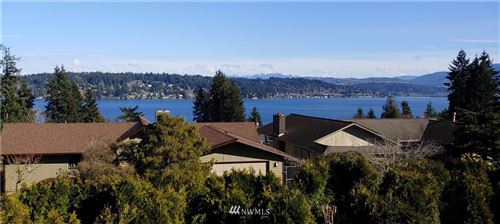 Photo of 2515 170th Place, Bellevue, WA 98008 (MLS # 1770793)