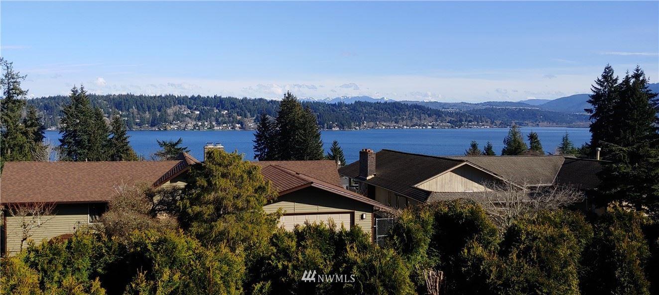 Photo of 2515 170th Place SE, Bellevue, WA 98008 (MLS # 1770793)
