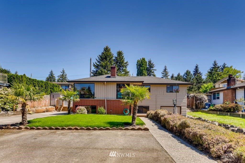 Photo of 11414 20th Place SW, Seattle, WA 98146 (MLS # 1767797)