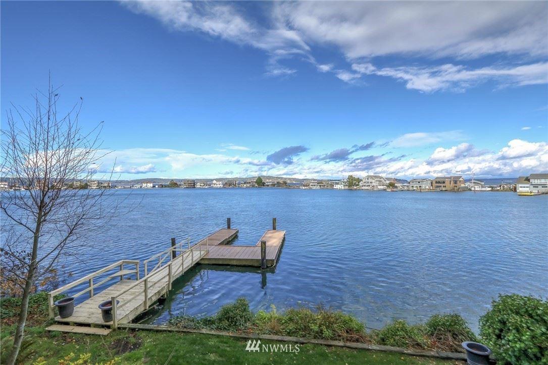 Photo of 10258 NE Lafayette Avenue, Bainbridge Island, WA 98110 (MLS # 1689798)
