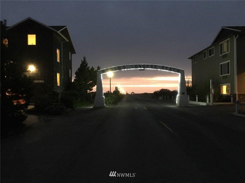 Photo of 205 Bolstad Avenue W #204, Long Beach, WA 98631 (MLS # 1794798)