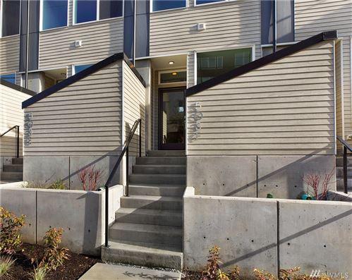 Photo of 503 F NE 72nd St, Seattle, WA 98115 (MLS # 1634800)