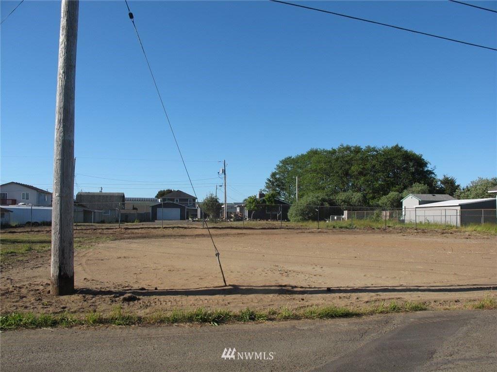 Photo of 3 9th Street SE, Long Beach, WA 98631 (MLS # 1782801)