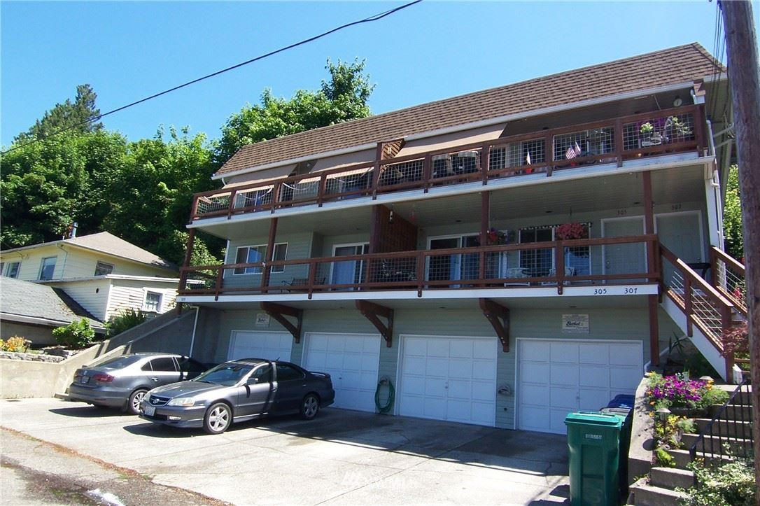 Photo of 305 Perry Avenue N, Port Orchard, WA 98366 (MLS # 1817801)