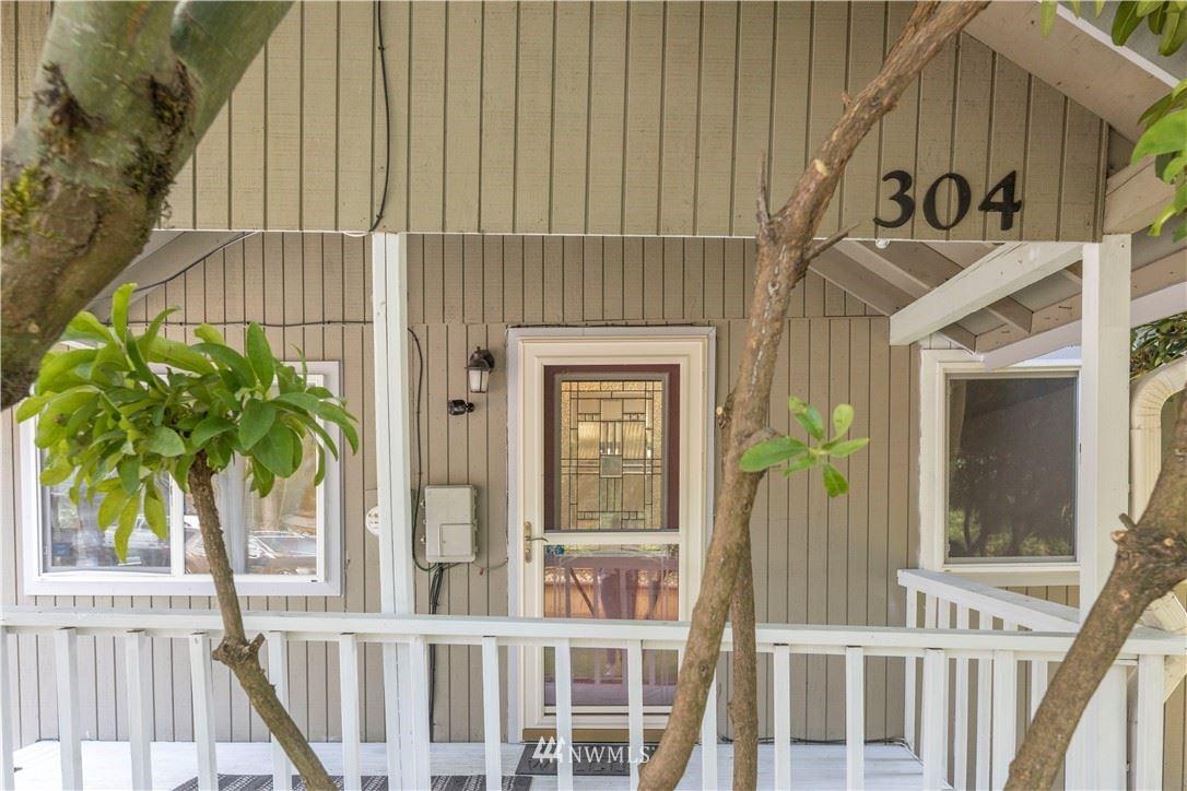 Photo of 304 31st Street SE, Auburn, WA 98002 (MLS # 1844801)