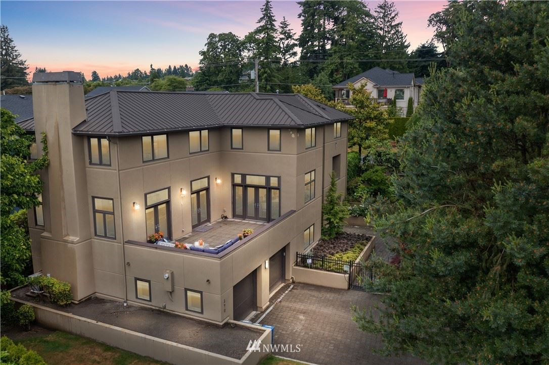 Photo of 190 94th Avenue NE, Bellevue, WA 98004 (MLS # 1790806)
