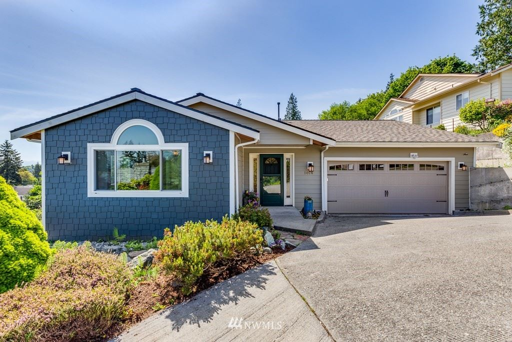 Photo of 1014 Angle Lane, Everett, WA 98201 (MLS # 1773810)