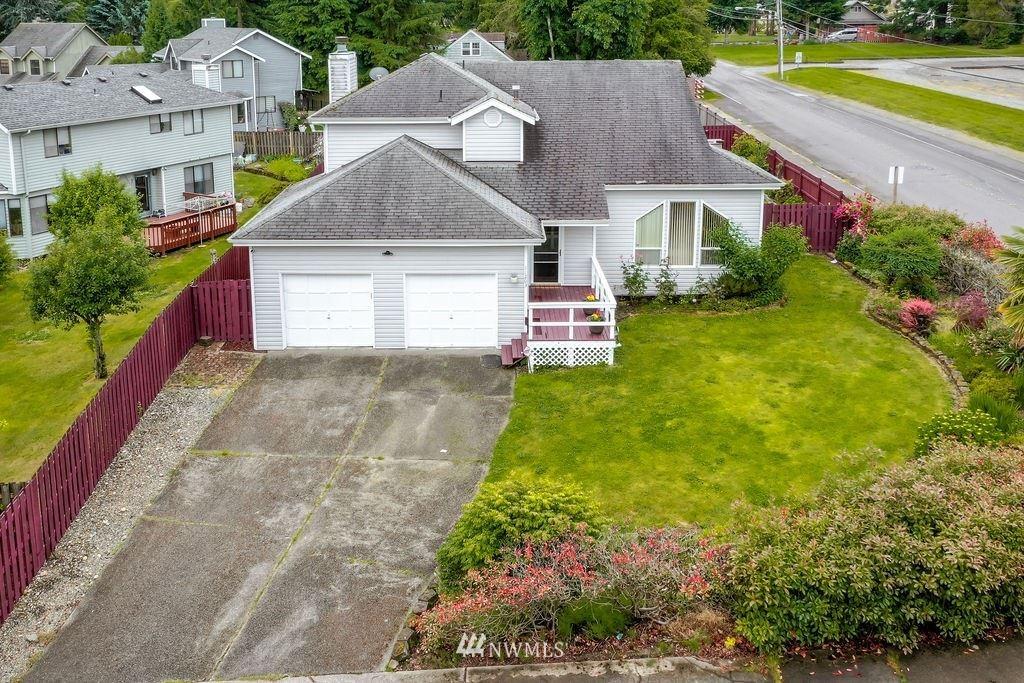 Photo of 11203 SE 232nd Street, Kent, WA 98031 (MLS # 1793810)