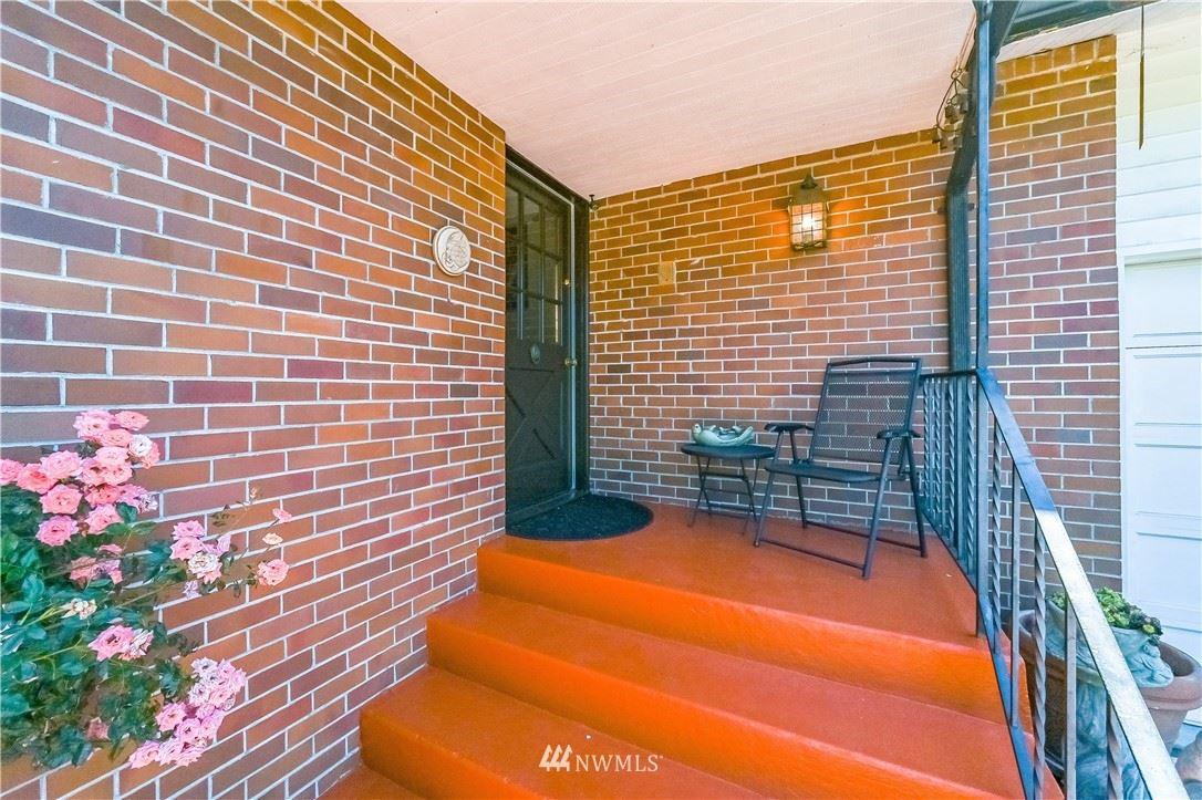 Photo of 17025 17th Avenue W, Lynnwood, WA 98037 (MLS # 1775811)