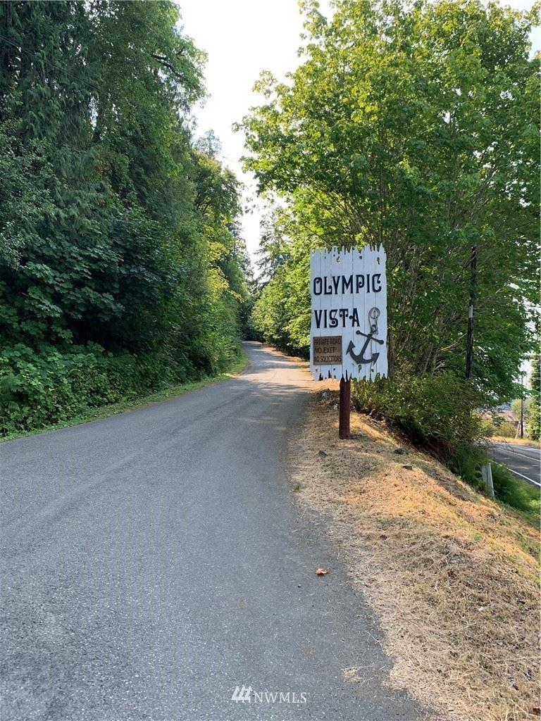 Photo of 530 E Olympic Vista Drive, Union, WA 98592 (MLS # 1817811)