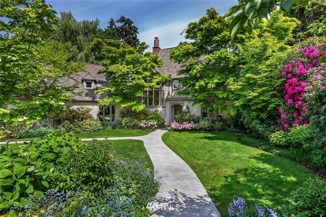 Photo of 1670 Broadmoor Drive E, Seattle, WA 98112 (MLS # 1759812)