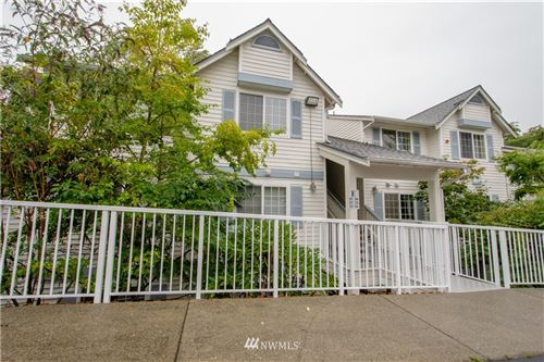 Photo of 949 NE Aberdeen Avenue NE #E315, Renton, WA 98056 (MLS # 1668813)