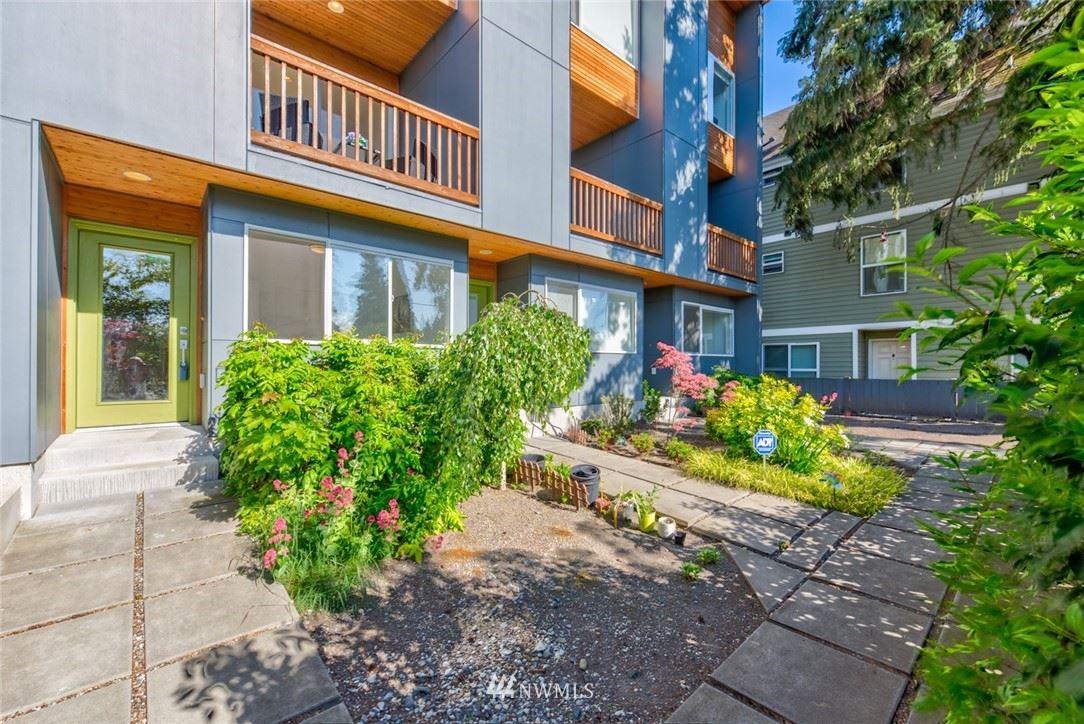 Photo of 5620 Roosevelt Way NE, Seattle, WA 98105 (MLS # 1778814)