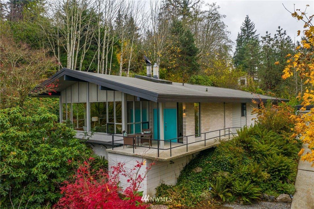 Photo of 15109 SE 53rd Place, Bellevue, WA 98006 (MLS # 1688815)