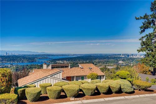 Photo of 4620 Somerset Place SE, Bellevue, WA 98006 (MLS # 1841816)