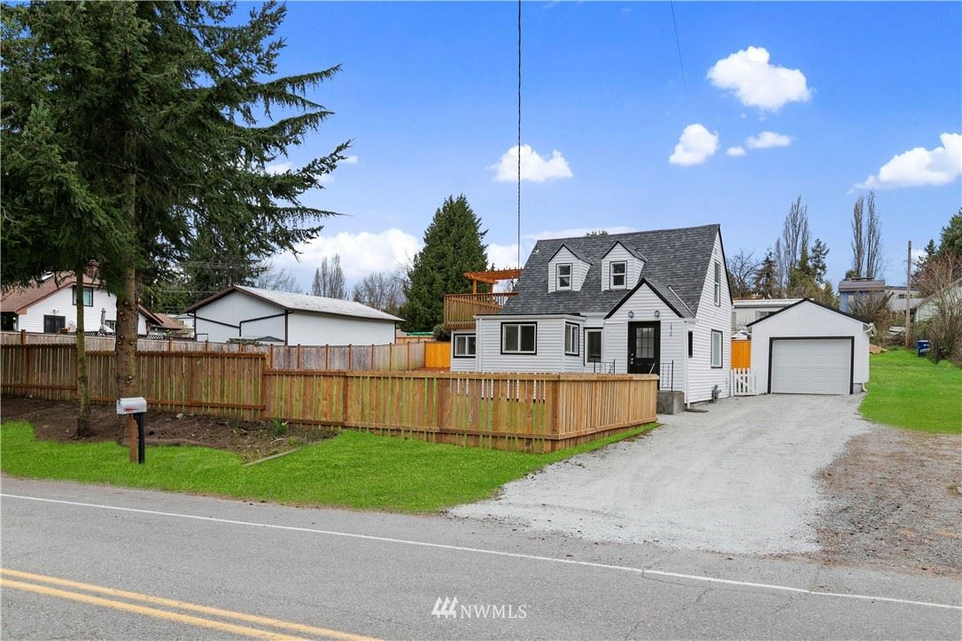 Photo of 1416 S 124th Street, Seattle, WA 98168 (MLS # 1753816)