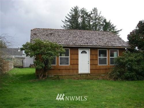 Photo of 11 School St, South Bend, WA 98586 (MLS # 1320818)
