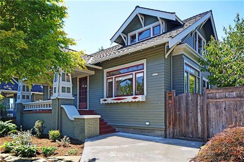 Photo of 4337 Evanston Avenue N, Seattle, WA 98103 (MLS # 1810819)