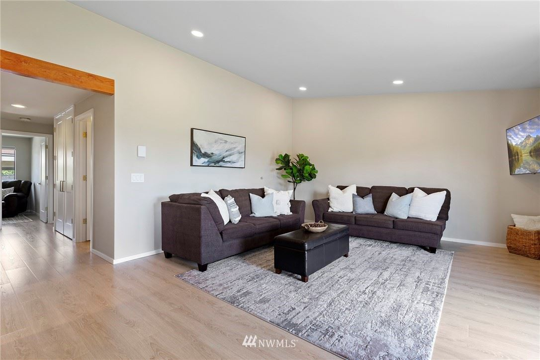 Photo of 23301 Lakeview Drive #A202, Mountlake Terrace, WA 98043 (MLS # 1774819)