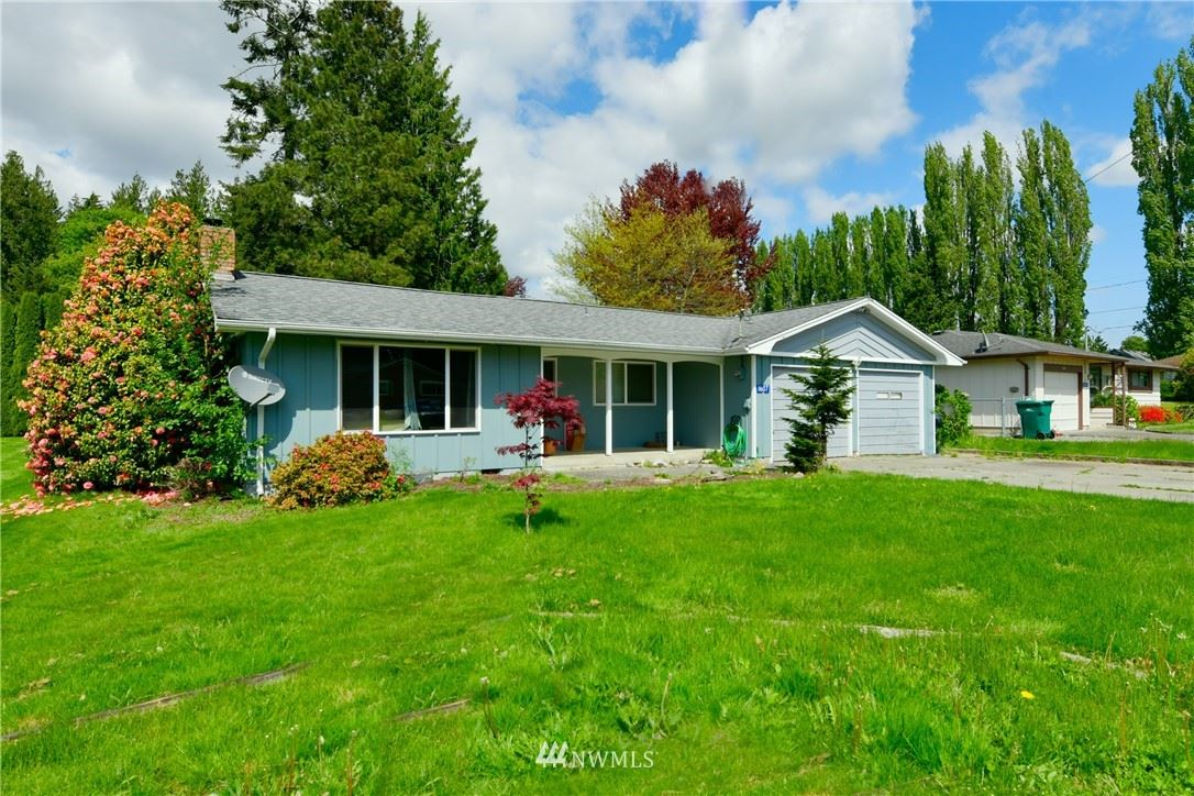 Photo of 1607 E Avon Avenue, Burlington, WA 98233 (MLS # 1767820)