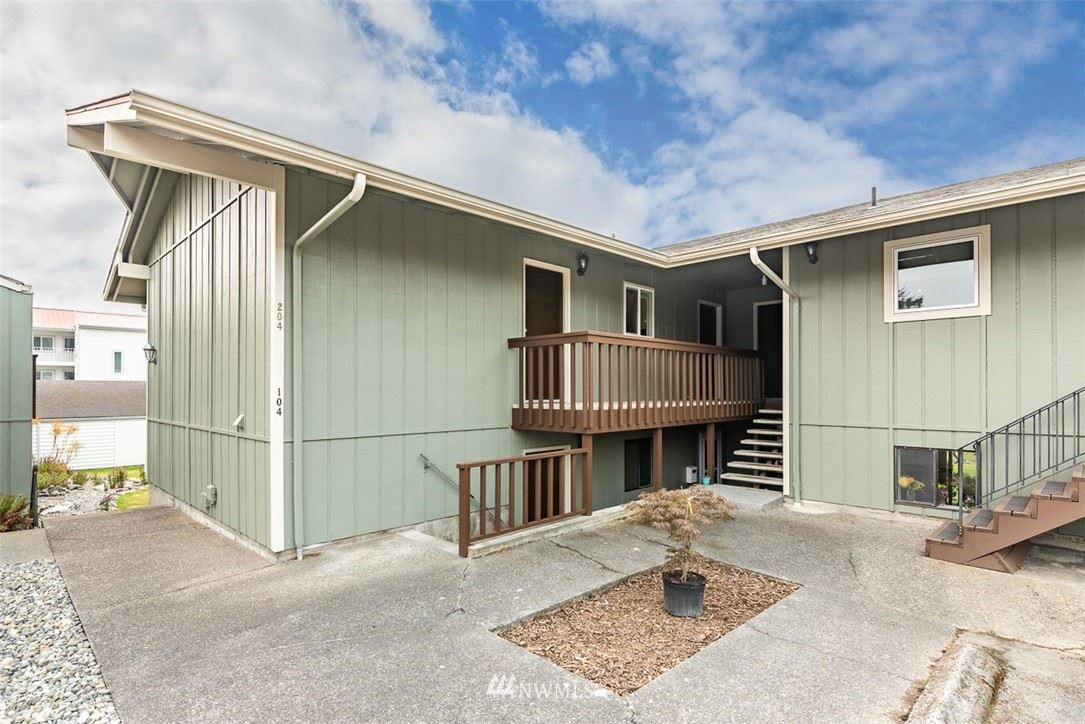 Photo of 1710 Skyline Way #204, Anacortes, WA 98221 (MLS # 1682821)