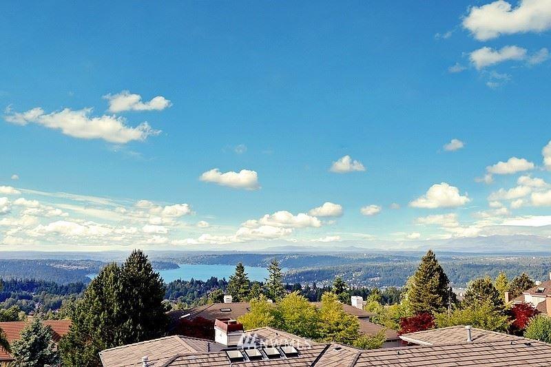 Photo of 5826 168th Place SE, Bellevue, WA 98006 (MLS # 1789823)