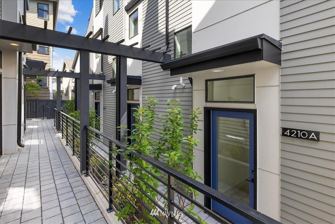Photo of 4210 Evanston Avenue N, Seattle, WA 98103 (MLS # 1788824)