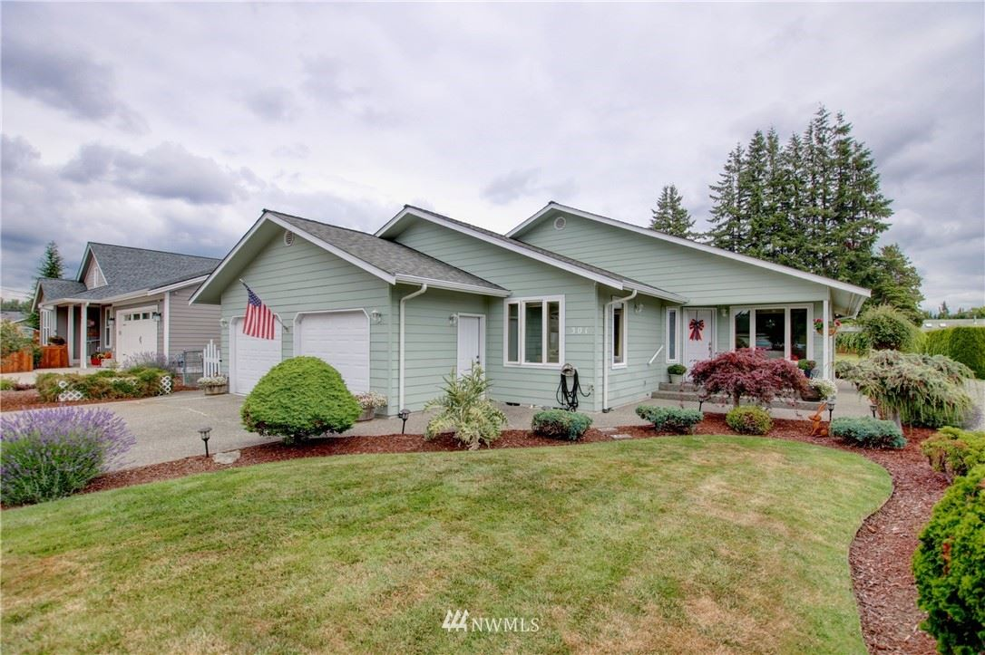 Photo for 301 N Central Avenue, Sedro Woolley, WA 98284 (MLS # 1814824)