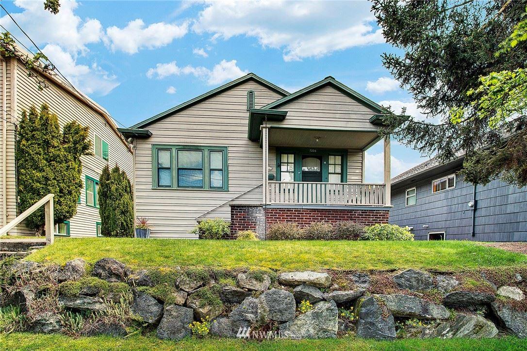Photo of 7334 11th Avenue NE, Seattle, WA 98115 (MLS # 1772830)