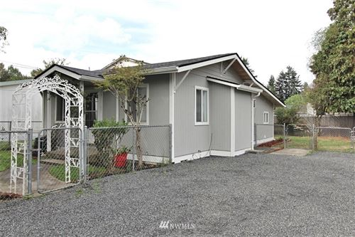 Photo of 309 Willow Street, Kelso, WA 98626 (MLS # 1668831)