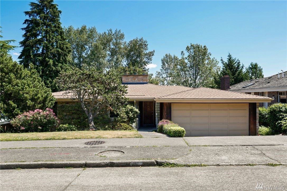 Photo of 5239 Pullman Avenue NE, Seattle, WA 98105 (MLS # 1629832)