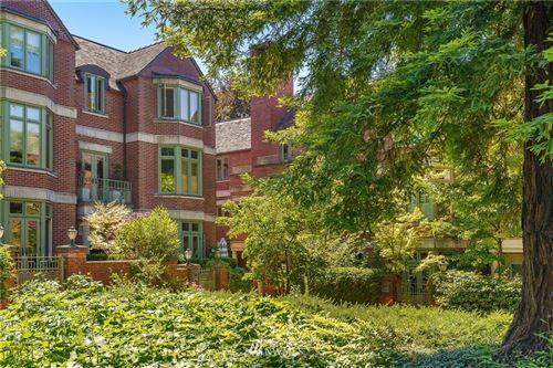 Photo of 909 Harvard Avenue E, Seattle, WA 98102 (MLS # 1676833)