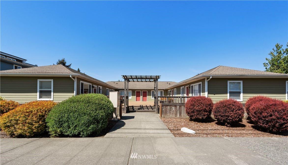 Photo of 9013 16th Avenue SW #5, Seattle, WA 98106 (MLS # 1772833)