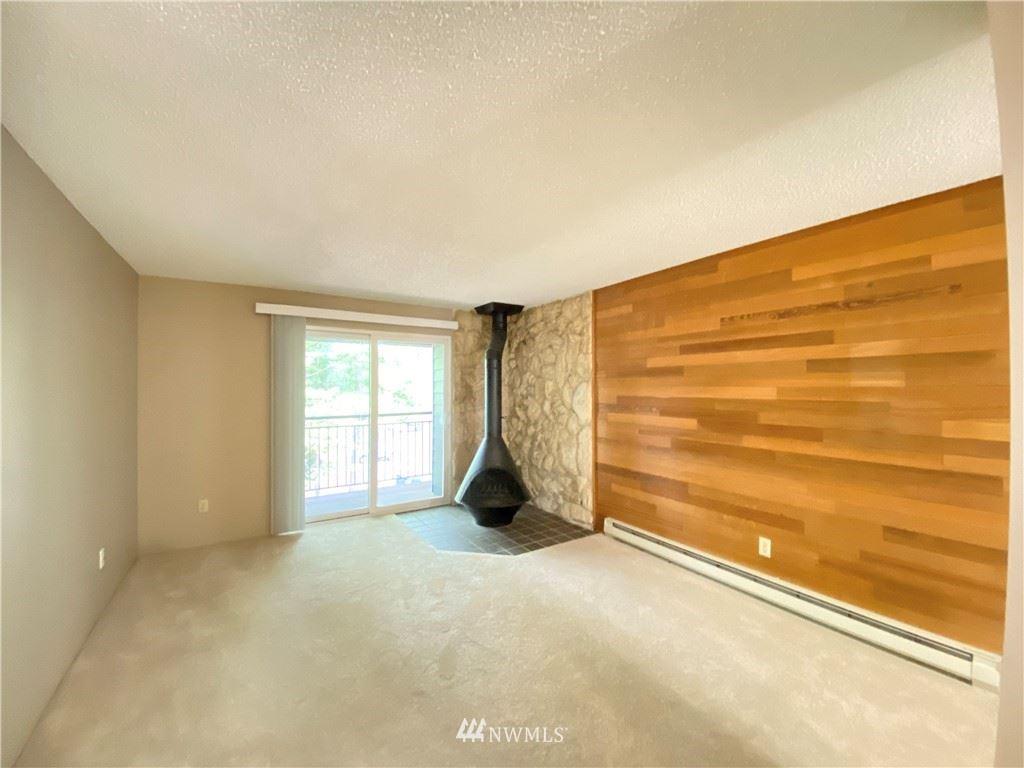 Photo of 14555 NE 32nd Street #F304, Bellevue, WA 98007 (MLS # 1776833)